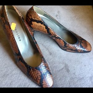 NEW BANDOLINO Leather Snake Classic Pump 7M Brown